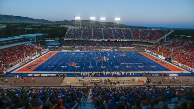Boise State Trusts FieldTurf Again for Albertsons Stadium