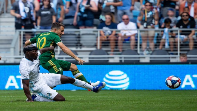 Study Finds Little Difference in Injuries on Turf vs Grass in the MLS